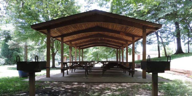 Murphy Oakley Park picnic shelter