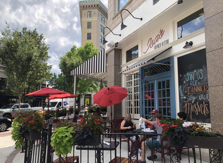 Asheville sidewalk cafe